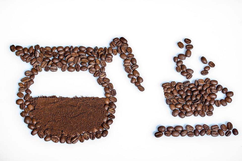 Bere caffè in gravidanza sembra causare sovrappeso nei nascituri