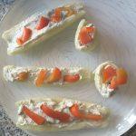 Barchette di cetrioli ripiene